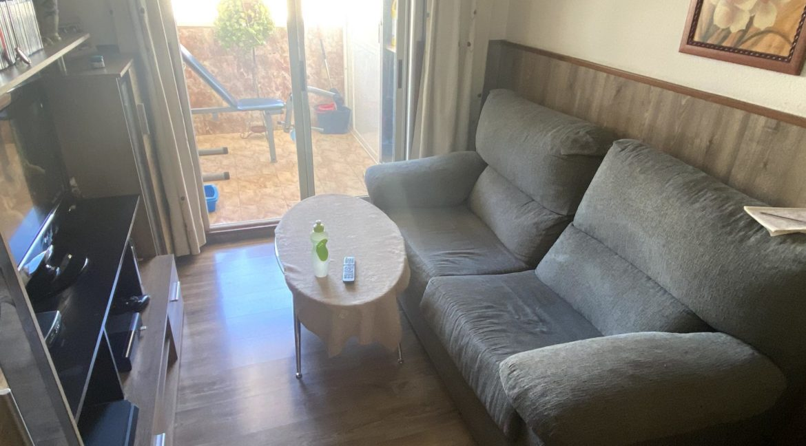 Sunny One Bedroom Penthouse For Sale In Torrevieja With Swimming Pool (7)