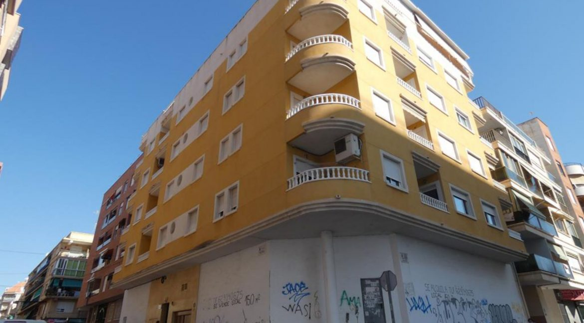 2 Bedrooms Apartment For Sale Just 50 Meters From Acequion Beach Torrevieja (17)