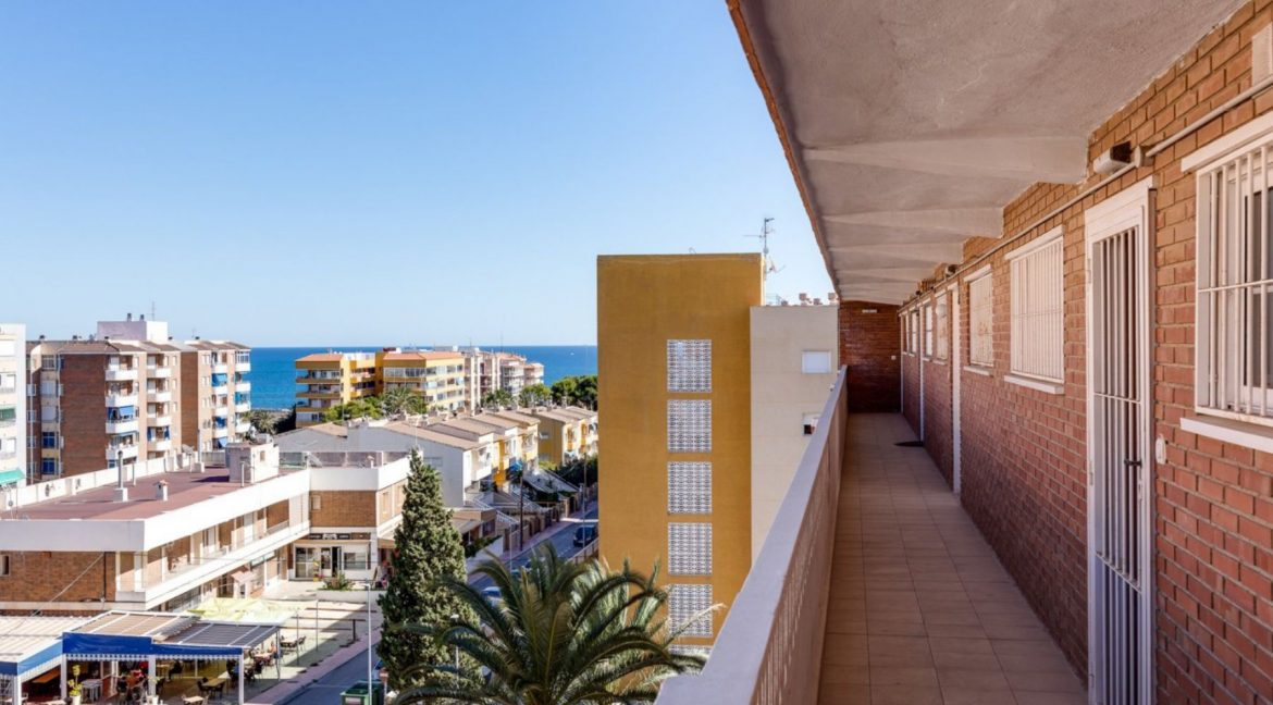 2 Bedrooms Apartment For Sale in Punta Prima Beach with Sunny Terrace (1)