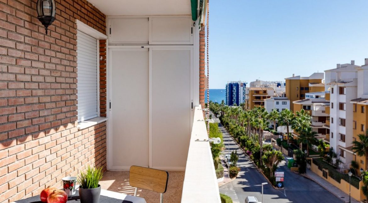 2 Bedrooms Apartment For Sale in Punta Prima Beach with Sunny Terrace