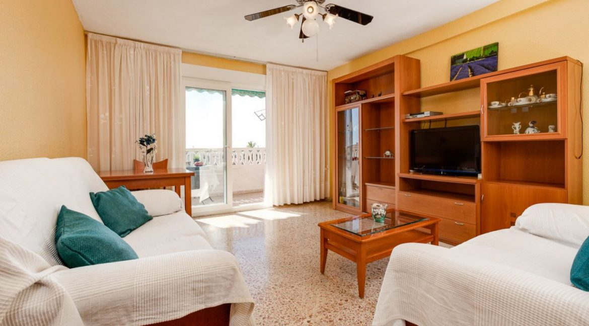 2 Bedrooms Apartment For Sale in Punta Prima Beach with Sunny Terrace (12)
