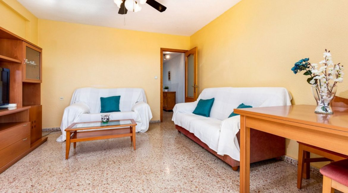 2 Bedrooms Apartment For Sale in Punta Prima Beach with Sunny Terrace (13)