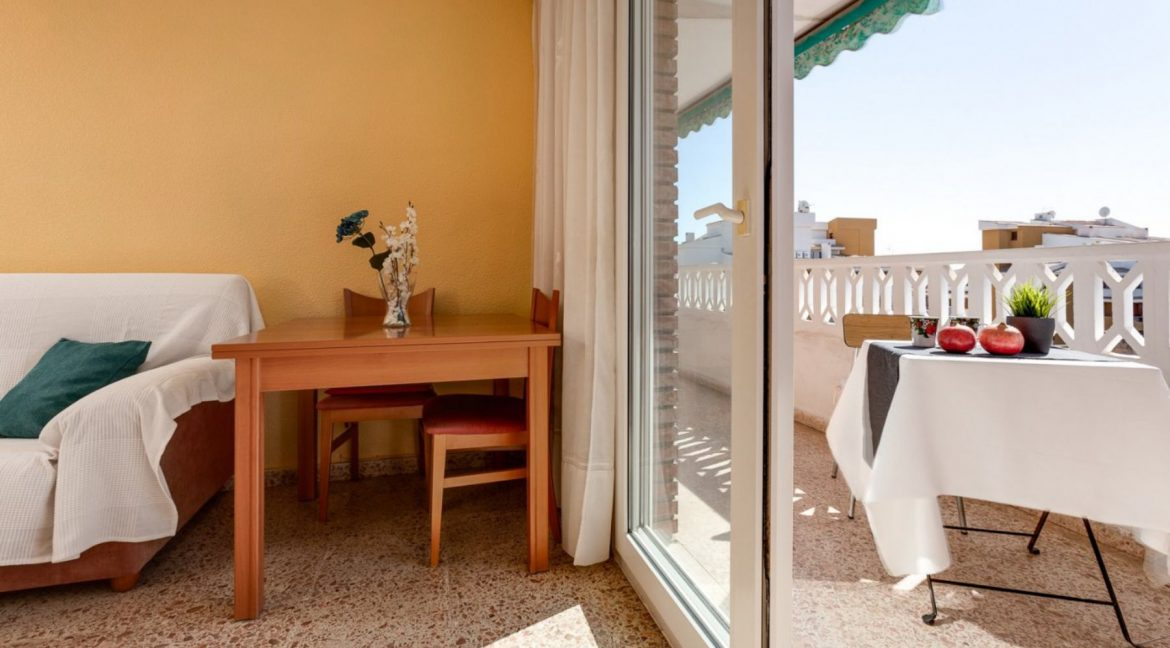 2 Bedrooms Apartment For Sale in Punta Prima Beach with Sunny Terrace (4)