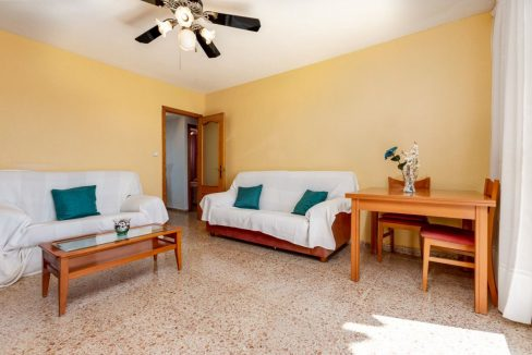 2 Bedrooms Apartment For Sale in Punta Prima Beach with Sunny Terrace (8)