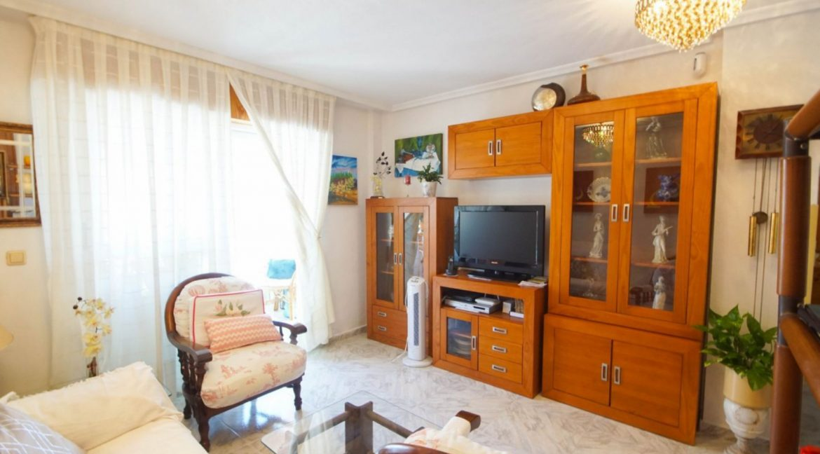 2 Bedrooms Apartment with Lateral Sea Views in Cala del Moro Torrevieja (16)