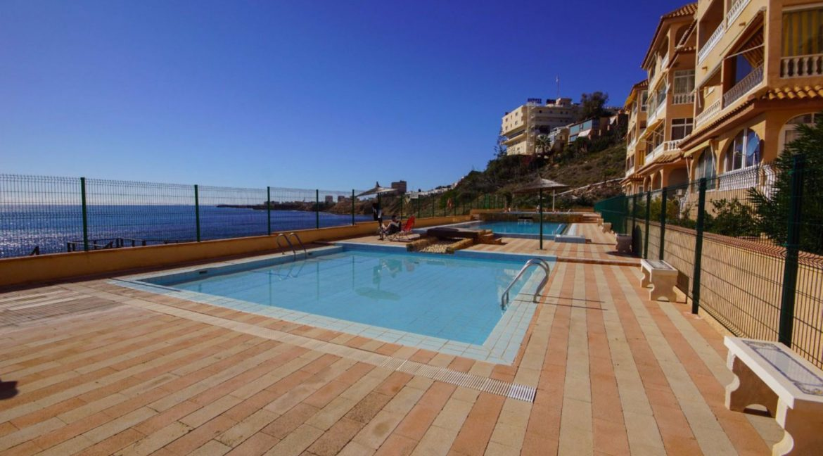 2 Bedrooms Apartment with Lateral Sea Views in Cala del Moro Torrevieja (2)