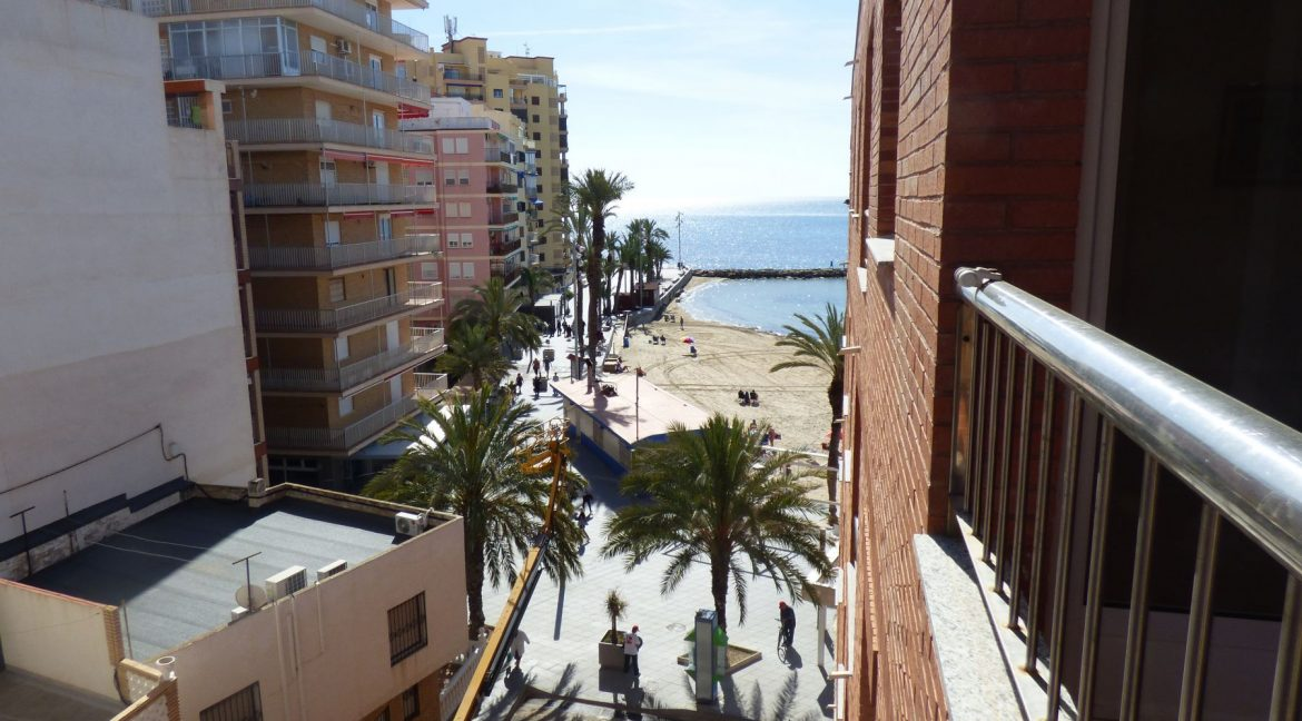 3 Bedrooms Apartment For Sale in First Line of Beach Torrevieja (11)