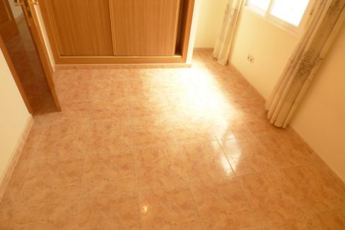 3 Bedrooms Apartment For Sale in First Line of Beach Torrevieja (21)