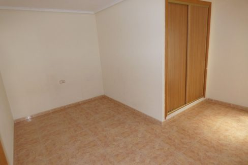 3 Bedrooms Apartment For Sale in First Line of Beach Torrevieja (22)