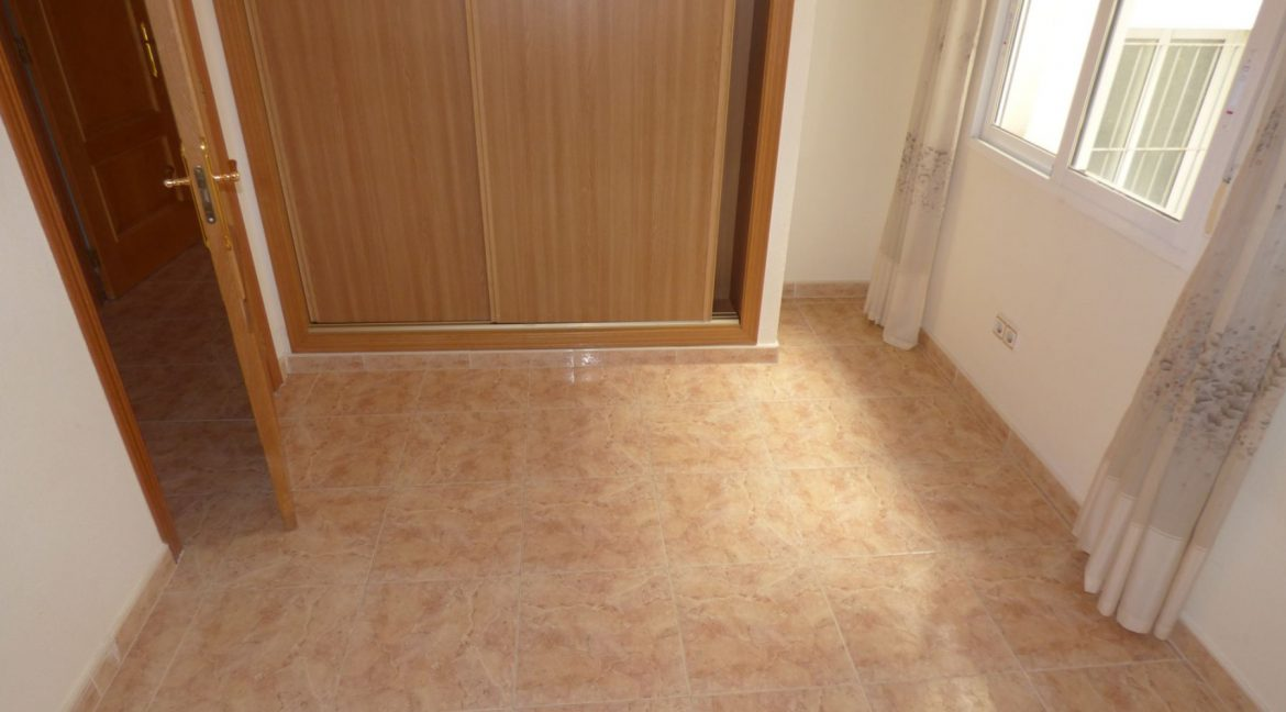 3 Bedrooms Apartment For Sale in First Line of Beach Torrevieja (23)