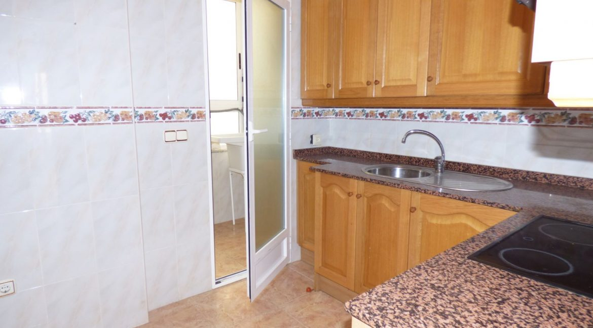 3 Bedrooms Apartment For Sale in First Line of Beach Torrevieja (24)