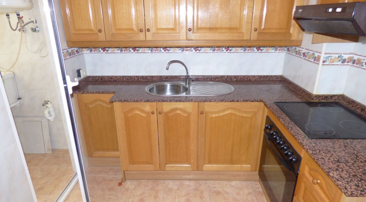 3 Bedrooms Apartment For Sale in First Line of Beach Torrevieja (25)