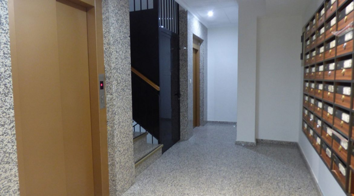 3 Bedrooms Apartment For Sale in First Line of Beach Torrevieja (26)