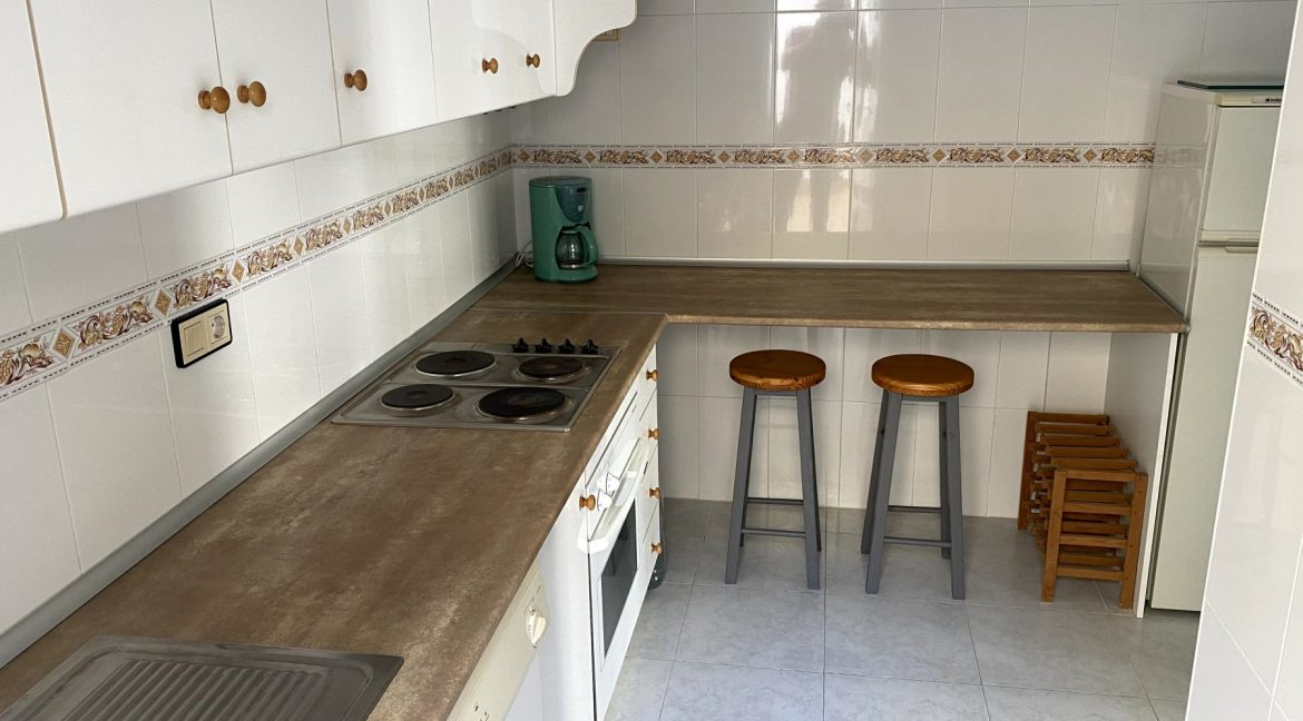 3 Bedrooms Renovated Bungalow For Sale with Community Pool (10)