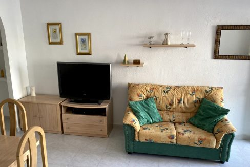 3 Bedrooms Renovated Bungalow For Sale with Community Pool (12)