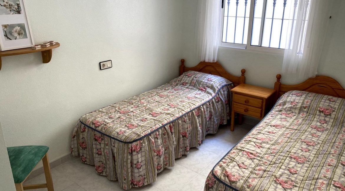 3 Bedrooms Renovated Bungalow For Sale with Community Pool (14)