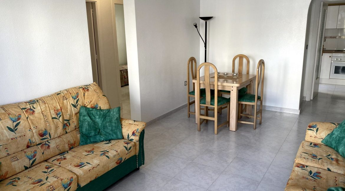 3 Bedrooms Renovated Bungalow For Sale with Community Pool (3)
