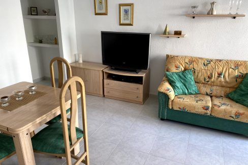 3 Bedrooms Renovated Bungalow For Sale with Community Pool (32)