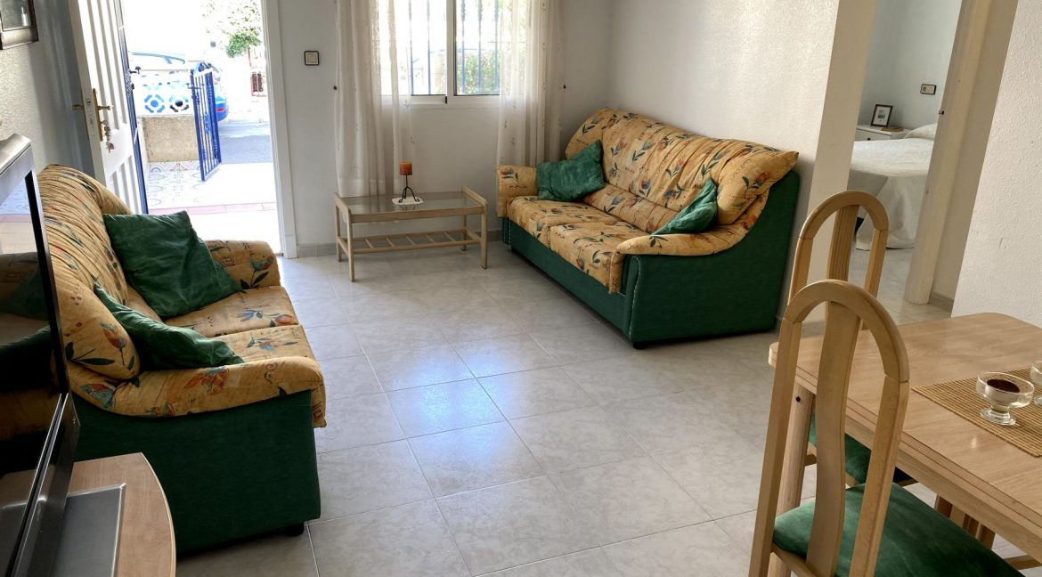 3 Bedrooms Renovated Bungalow For Sale with Community Pool (33)