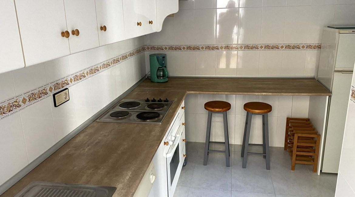 3 Bedrooms Renovated Bungalow For Sale with Community Pool (9)