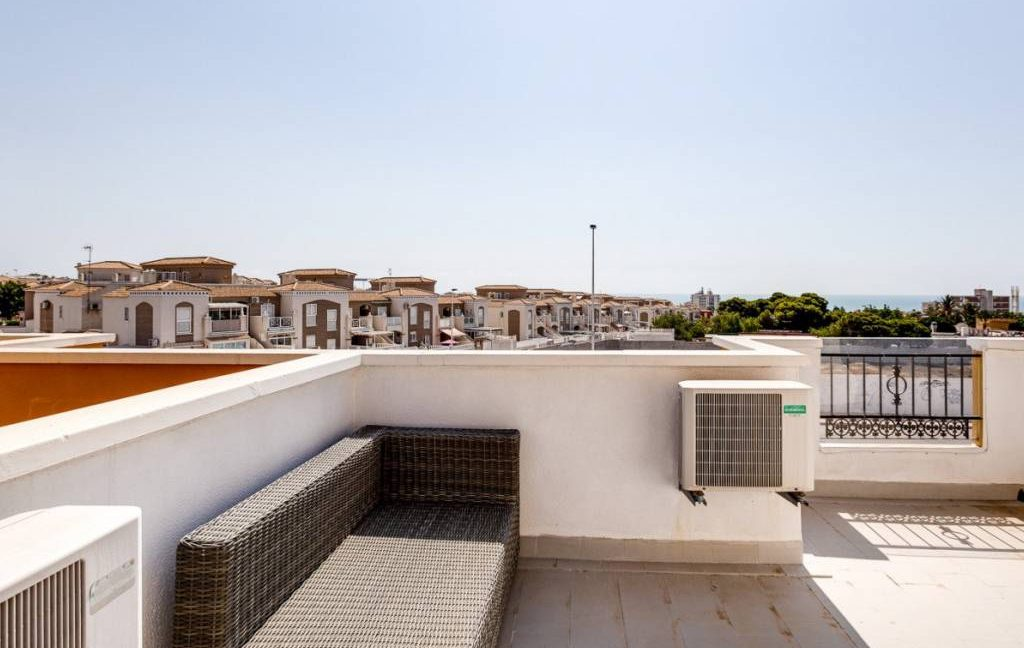3 Bedrooms Townhouse For Sale in Torrevieja - Aguas Nuevas. Renovated (16)