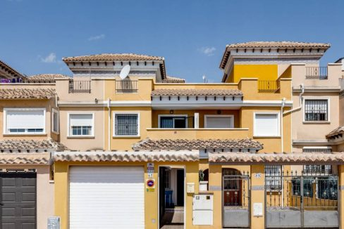 3 Bedrooms Townhouse For Sale in Torrevieja - Aguas Nuevas. Renovated