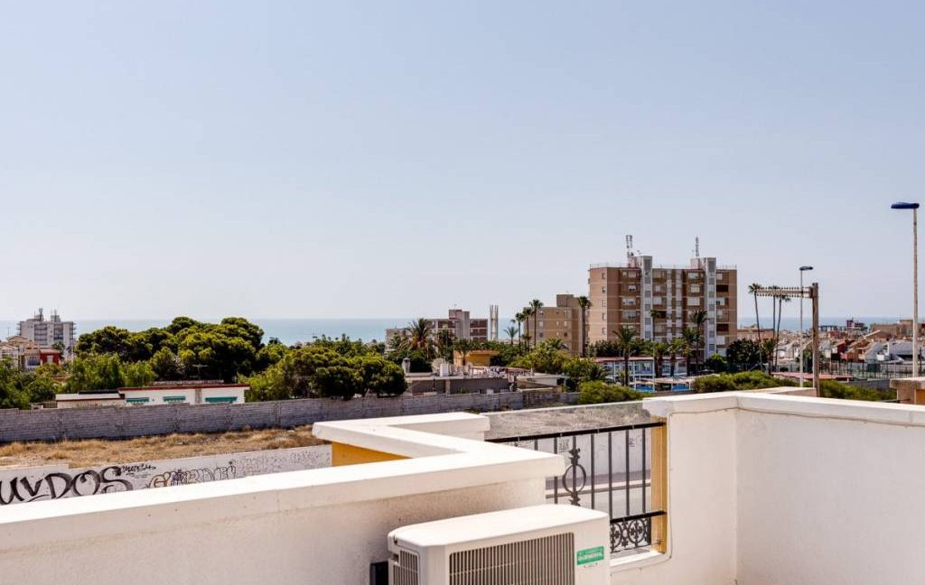 3 Bedrooms Townhouse For Sale in Torrevieja - Aguas Nuevas. Renovated (29)