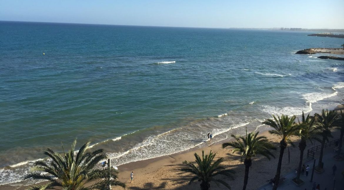 3 Bedrooms Apartment For Sale in First Line of Beach Torrevieja