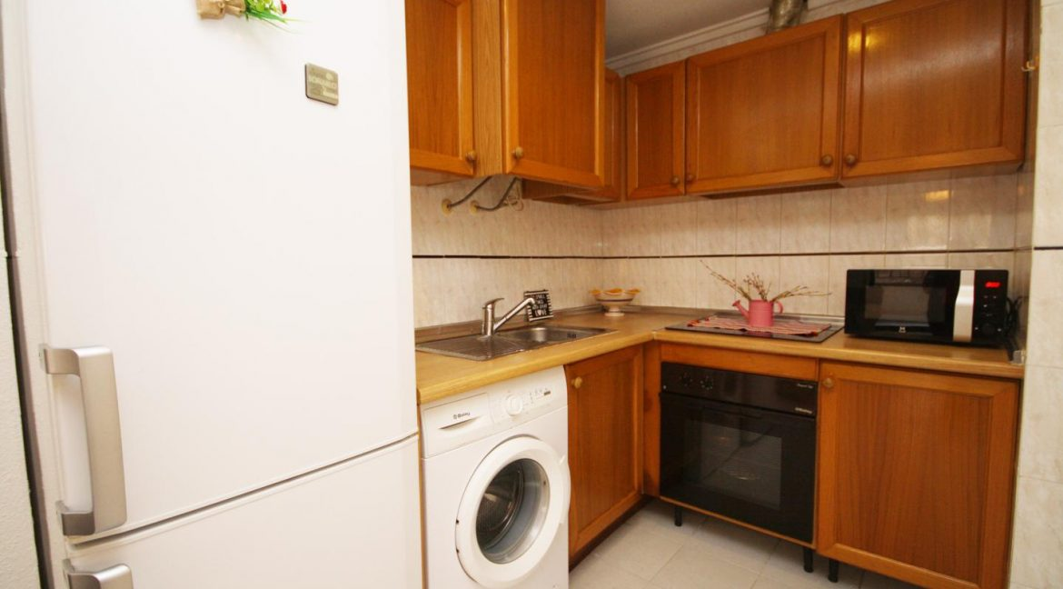 2 Bedooms Apartment For Sale in Torrevieja Near en Cura Beach with Lateral Sea Views (1)