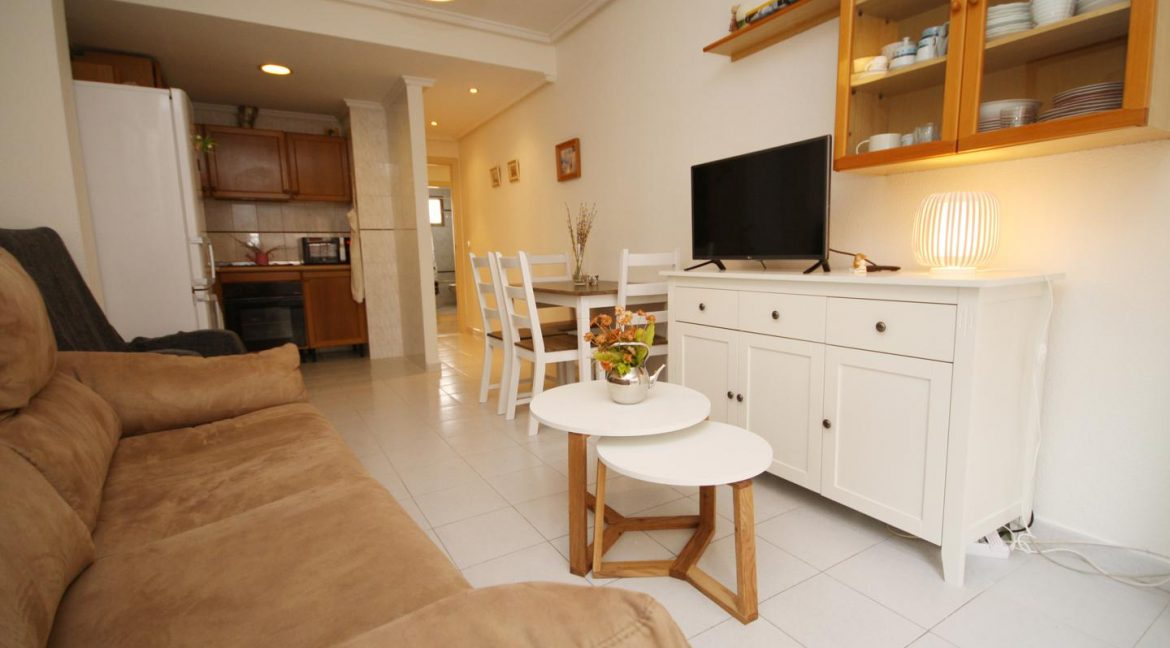 2 Bedooms Apartment For Sale in Torrevieja Near en Cura Beach with Lateral Sea Views (20)