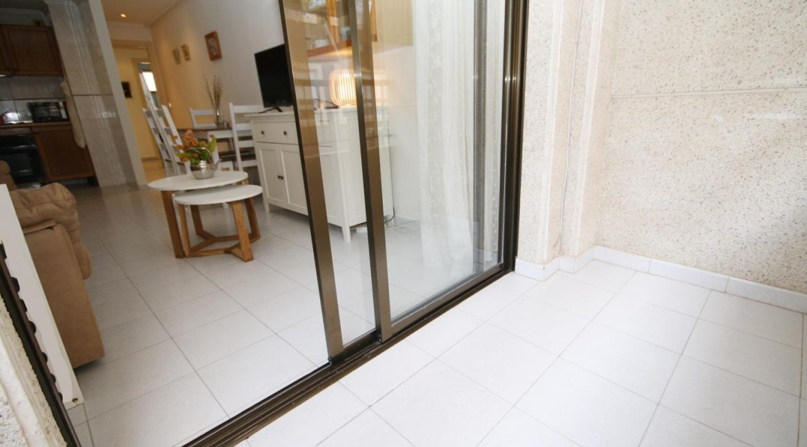 2 Bedooms Apartment For Sale in Torrevieja Near en Cura Beach with Lateral Sea Views (3)