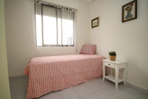 2 Bedooms Apartment For Sale in Torrevieja Near en Cura Beach with Lateral Sea Views (4)