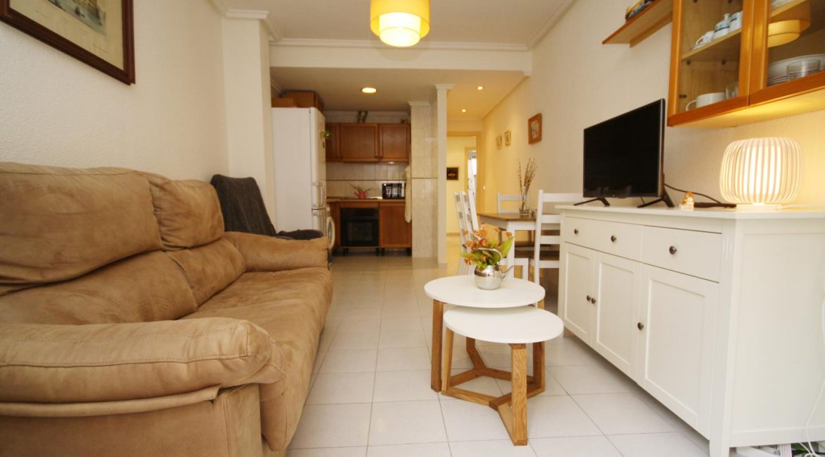 2 Bedooms Apartment For Sale in Torrevieja Near en Cura Beach with Lateral Sea Views (5)
