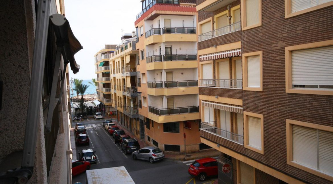 2 Bedooms Apartment For Sale in Torrevieja Near en Cura Beach with Lateral Sea Views (6)