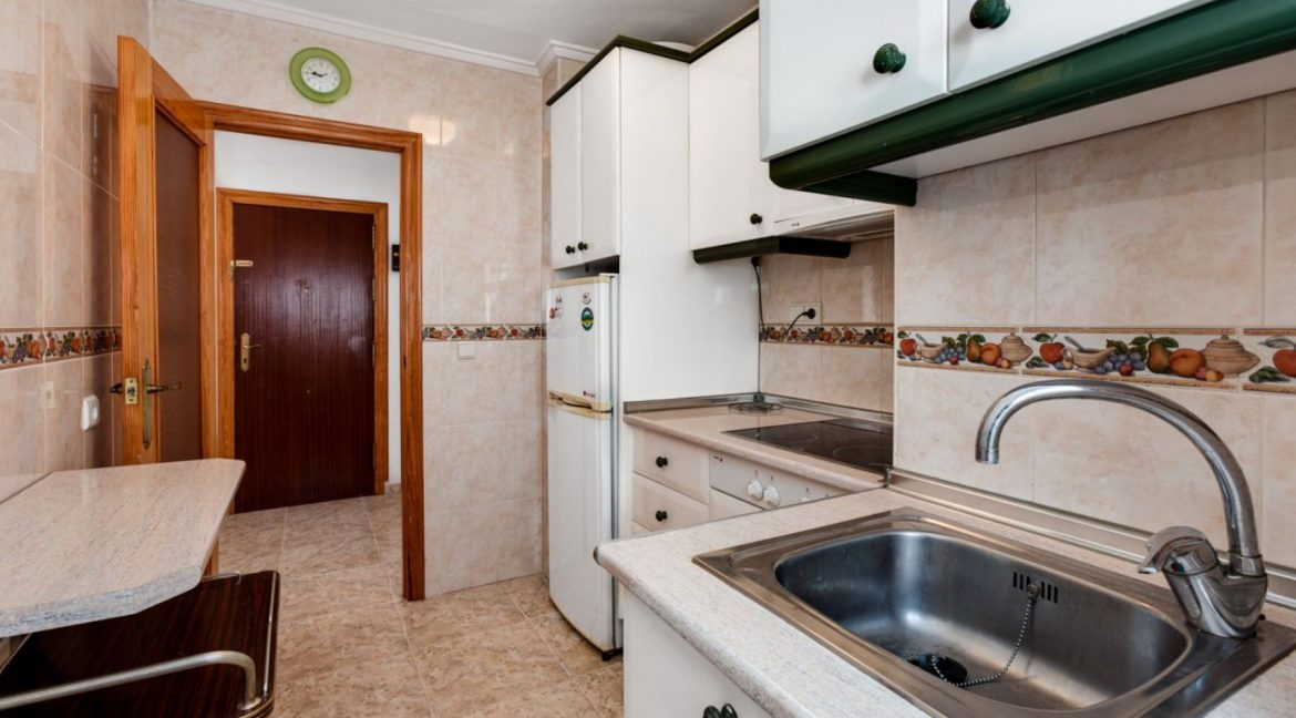 2 Bedrooms Apartment For Sale With Sea View In Torrevieja (10)