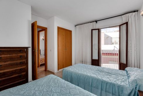 2 Bedrooms Apartment For Sale With Sea View In Torrevieja (11)