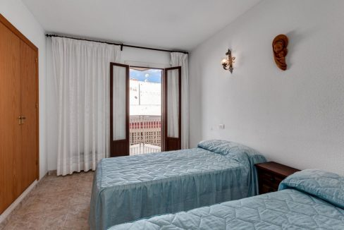 2 Bedrooms Apartment For Sale With Sea View In Torrevieja (13)