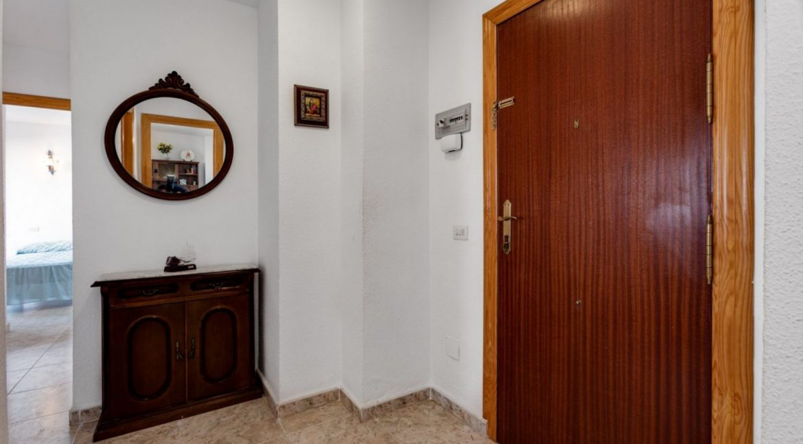 2 Bedrooms Apartment For Sale With Sea View In Torrevieja (17)