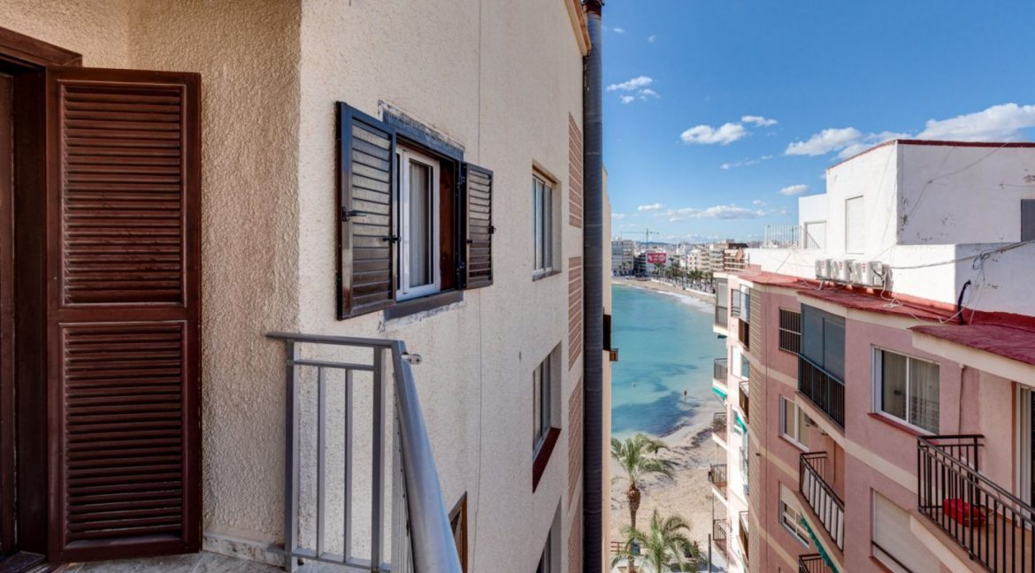 2 Bedrooms Apartment For Sale With Sea View In Torrevieja (2)