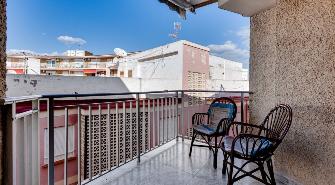 2 Bedrooms Apartment For Sale With Sea View In Torrevieja (3)