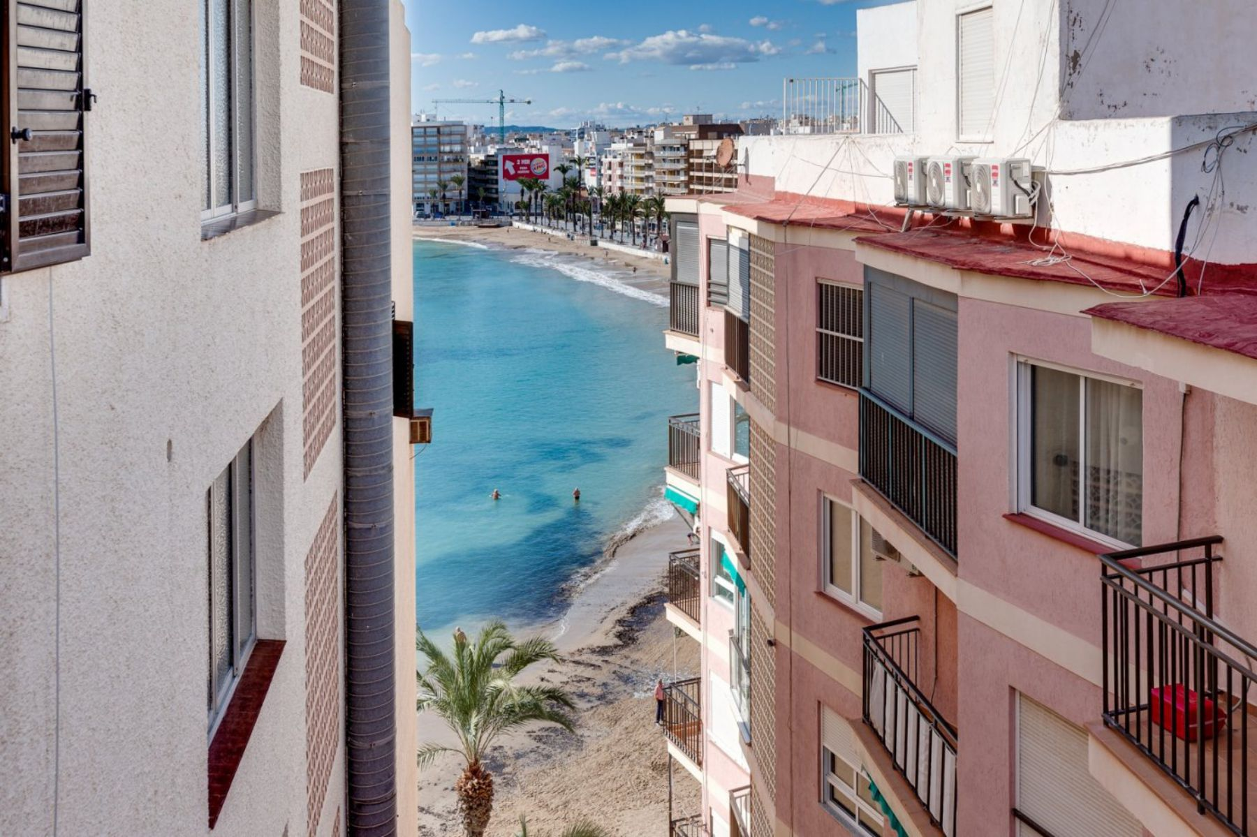 2 Bedrooms Apartment For Sale with Sea View in Torrevieja – El Cura Beach