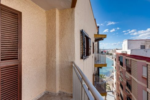 2 Bedrooms Apartment For Sale With Sea View In Torrevieja (5)