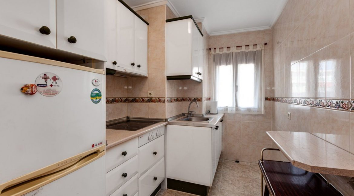 2 Bedrooms Apartment For Sale With Sea View In Torrevieja (9)