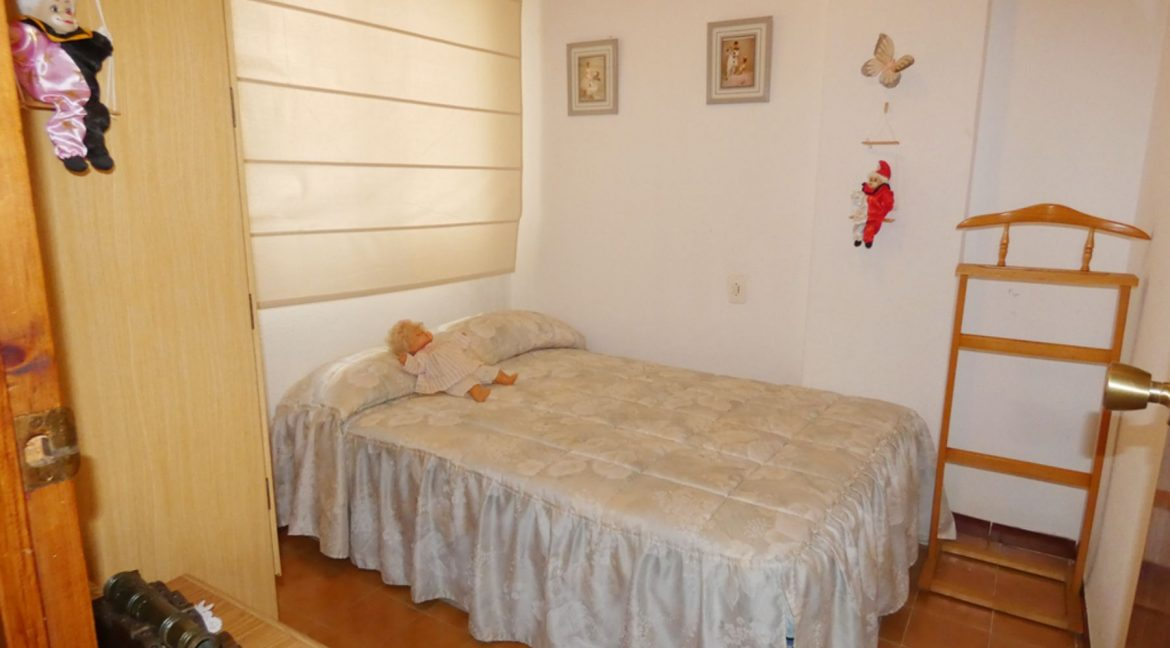 2 Bedrooms Apartment with Nice Terrace and Side Views of the Acequion Beach in Torrevieja (11)