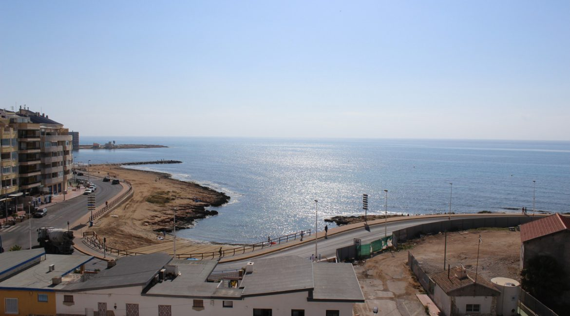 2 Bedrooms Apartment with sea views For Sale in Torrevieja (1)