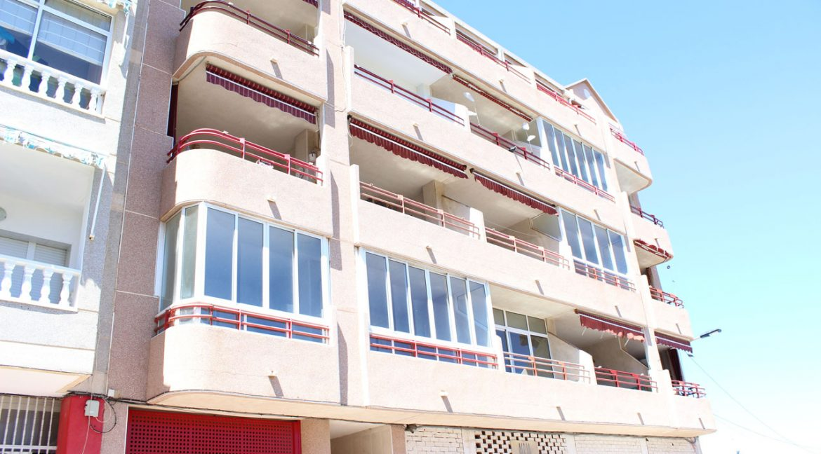 2 Bedrooms Apartment with sea views For Sale in Torrevieja (24)
