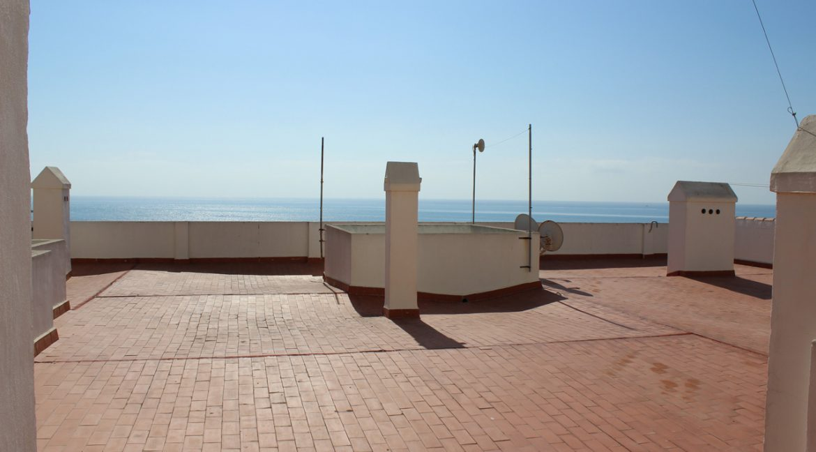 2 Bedrooms Apartment with sea views For Sale in Torrevieja (34)