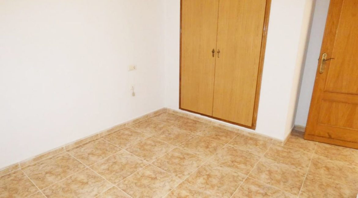 2 Bedrooms apartment For Sale Close to the Beach in Torrevieja (10)