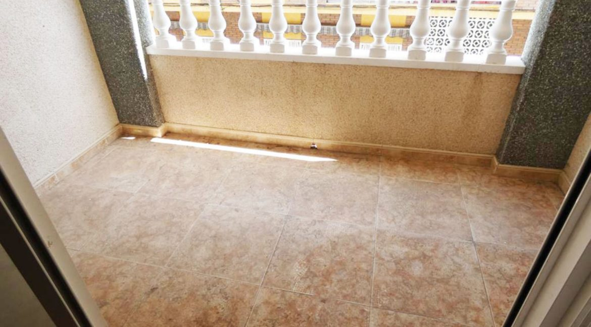 2 Bedrooms apartment For Sale Close to the Beach in Torrevieja (14)