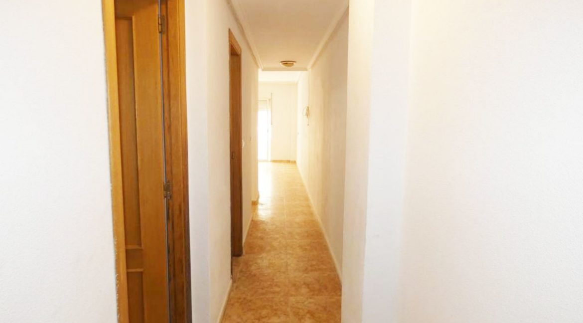 2 Bedrooms apartment For Sale Close to the Beach in Torrevieja (2)